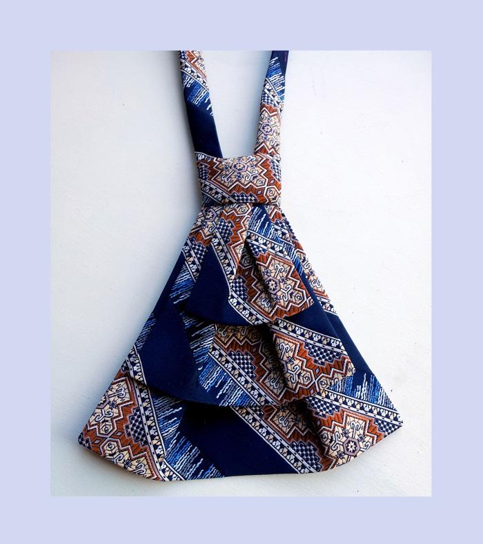 Vintage tie into custom Ascot